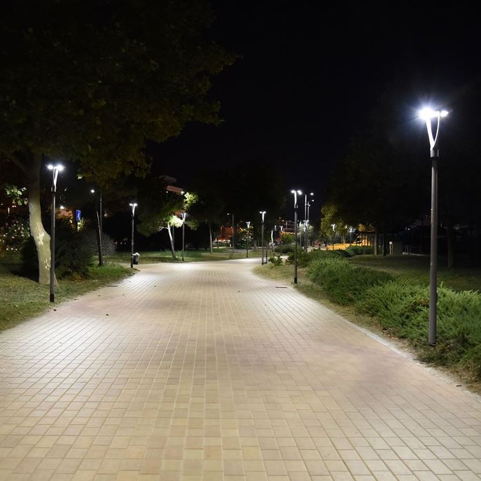 Context, Intensity and Scale of Street Lighting