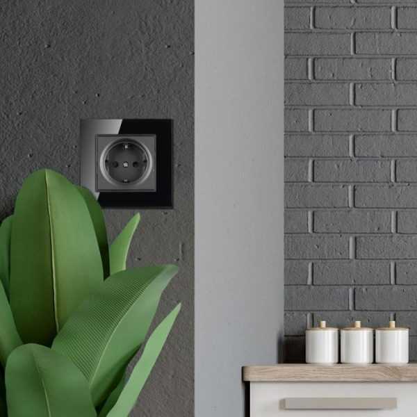 EU Socket 16A Glass Panel Black