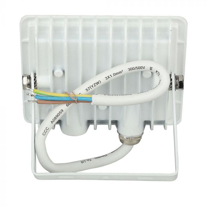 10W E Series Floodlight E Series - 850 Lumens - 110 degree Beam Angle - IP65