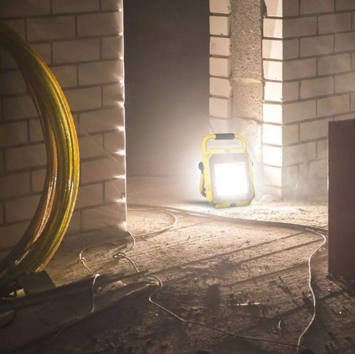 50W LED Work Floodlight 3m Cable BS Blug